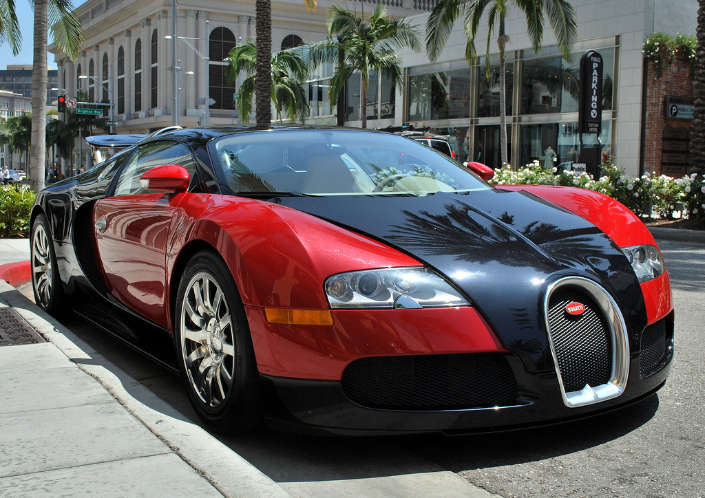 bugatti veyron 16 4 at rodeo drive la. Black Bedroom Furniture Sets. Home Design Ideas