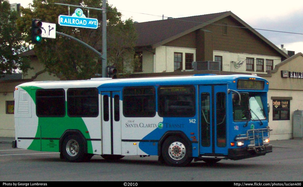 Santa Clarita Transit Gillig Phantom (30 Foot) #142   Flickr