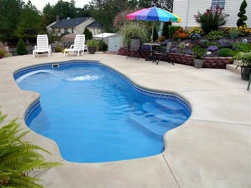 Freeport 18a viking pools free form design the pool for Pool design virginia