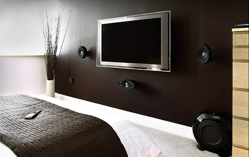 LCD TV and sound installation | by smartblog