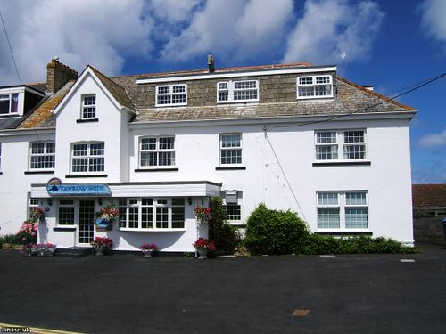 Newquay Hotels With Pool