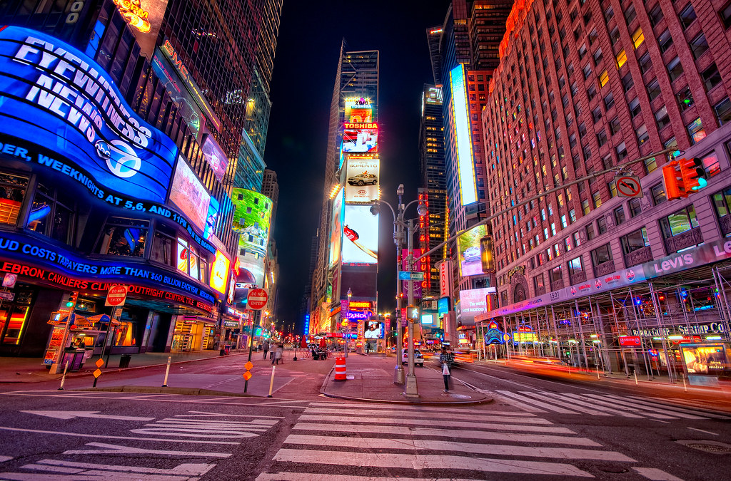 An Almost Empty Time Square | Now I know I hadn't been to ...