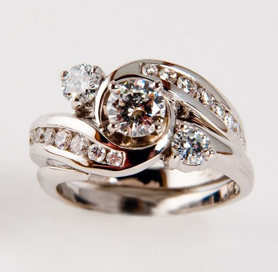 Lab created Diamond Wedding Ring Set This is actually an e…
