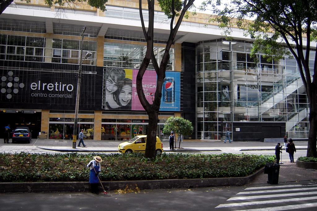 Centro comercial el retiro colombian street bogot - Centro comercial el serrallo ...