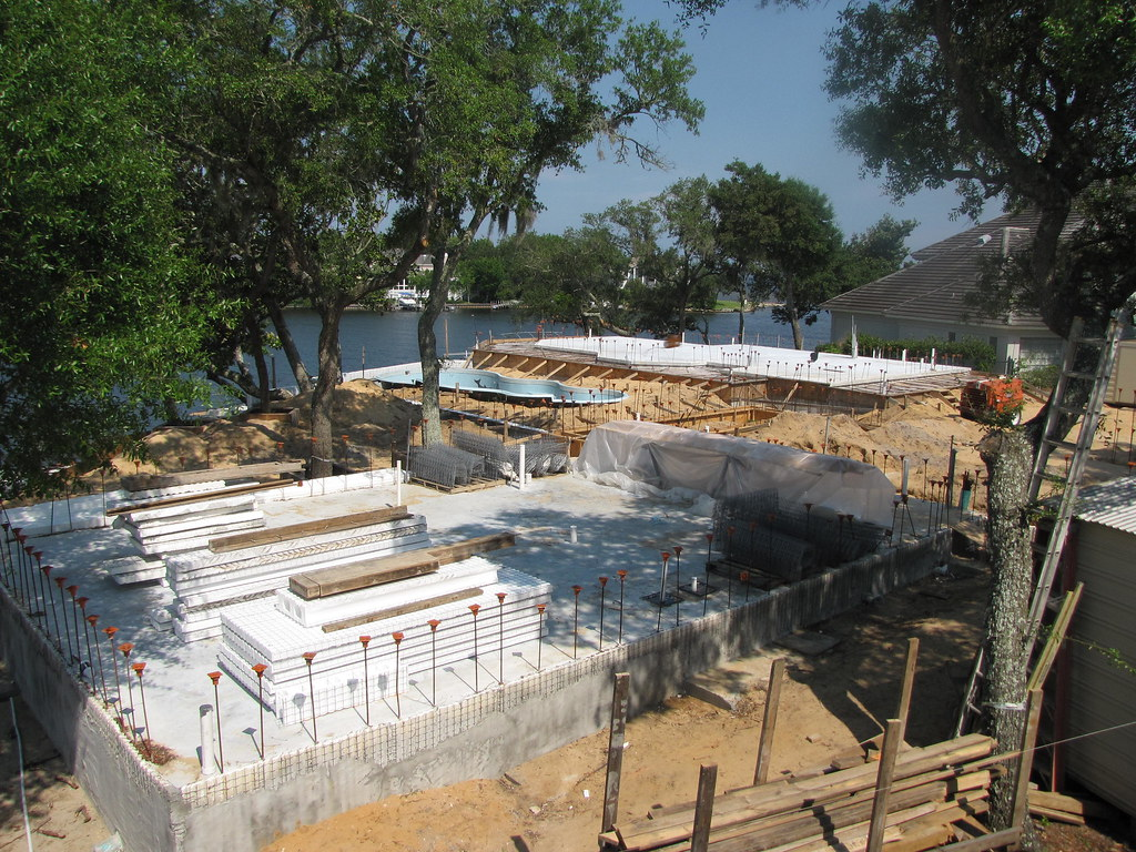 Ecosmart green model home construction site and energy eff for Home construction websites