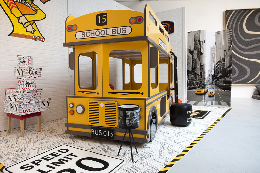school bus ou lit superpos on imagine d j les enfants qu flickr. Black Bedroom Furniture Sets. Home Design Ideas