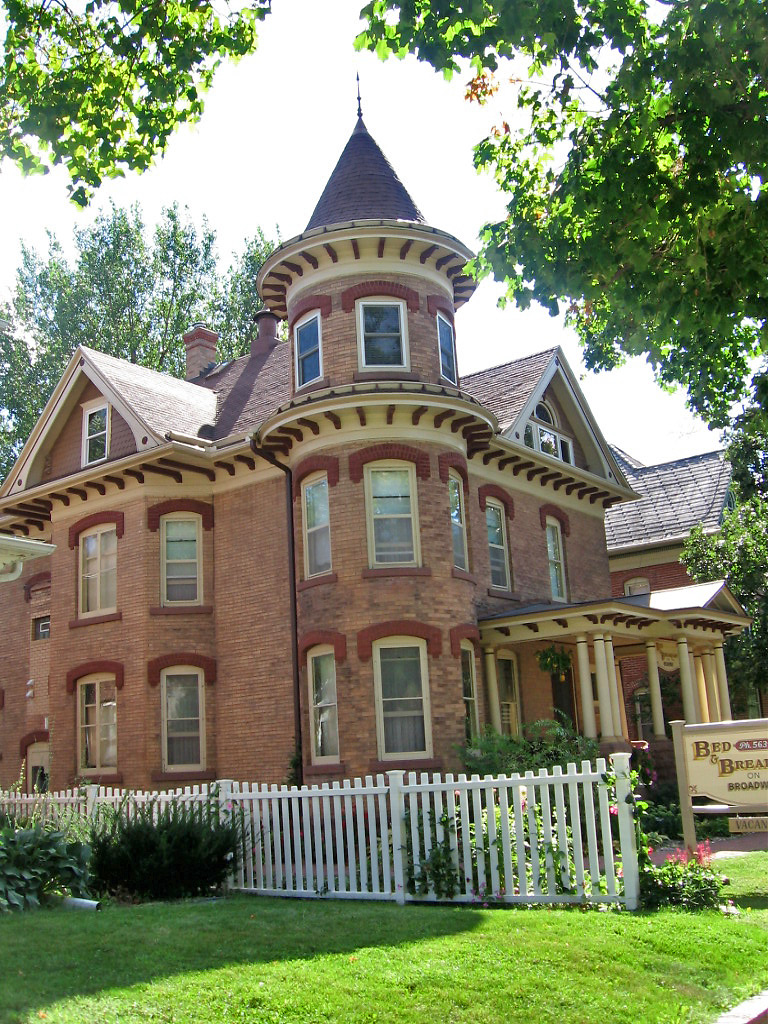 Victorian House With Tower Broadway Decorah Iowa Flickr