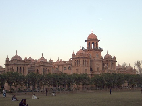 30 million rupees restoration work for few cracks of antique Islamia College, right hand three restored domes are of very light colour and they are uneven and showing bulges | by Environmentalist