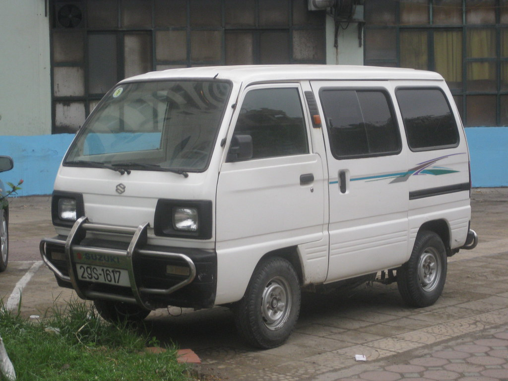 Suzuki Mini Bus