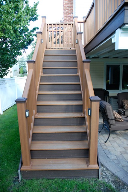 Merveilleux ... Trex Stairs | By Long Island Decking Inc.