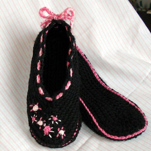Crochet pattern kids and womens ballet slippers Optional ...