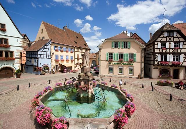 Eguisheim place du ch teau saint l on flickr - Office de tourisme eguisheim ...