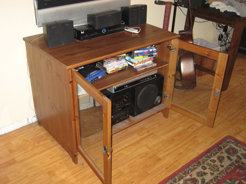 Ikea leksvik tv dvd stereo stand cabinet for 60 retails - Mobile stereo ikea ...