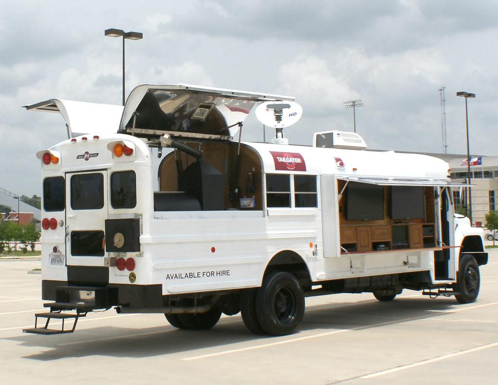 The Extrem Tailgating Bus Www Imagimotive Com Imagi