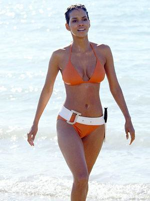 Miss World USA 1986 Halle Berry | Starring as bond girl 'Jin ... Halle Berry