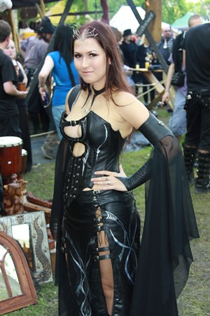 goth girl  leather   wave gotik treffen friday