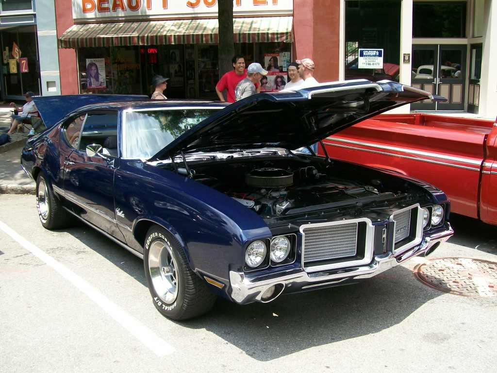 1971 Oldsmobile Cutlass 5th Annual Fort Hawkins Car Show