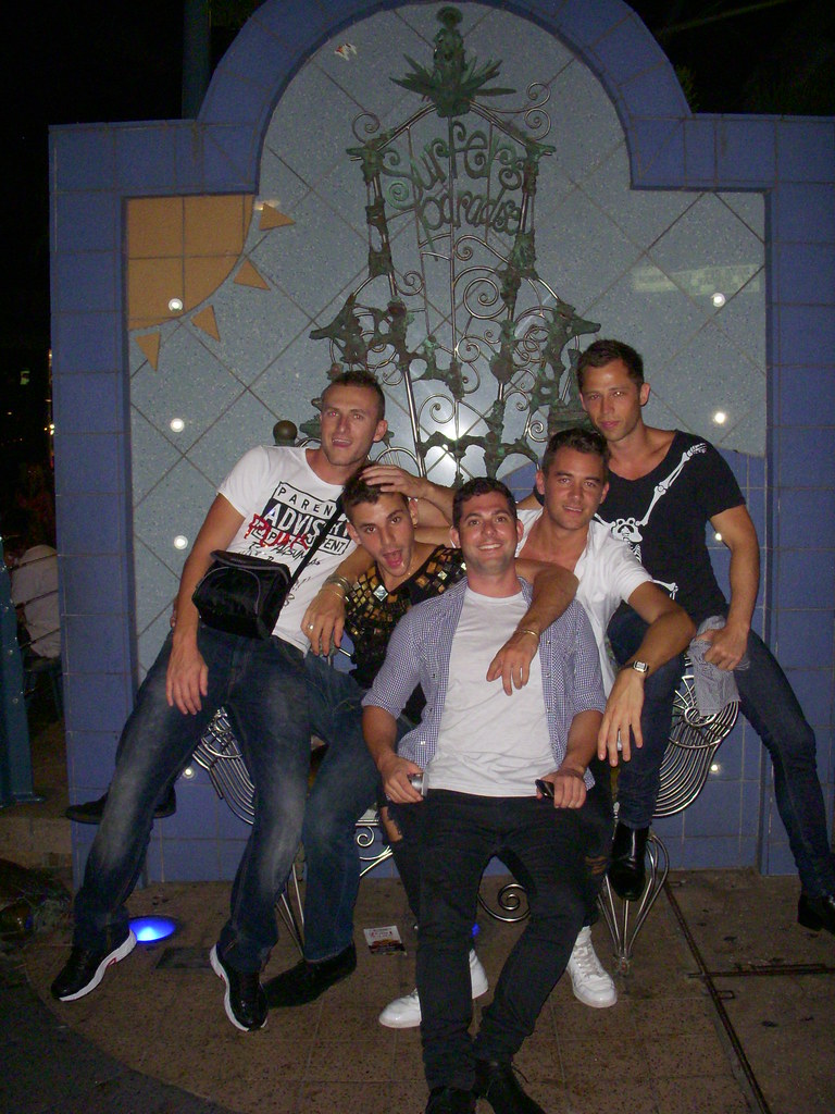 Surfers paradise gay