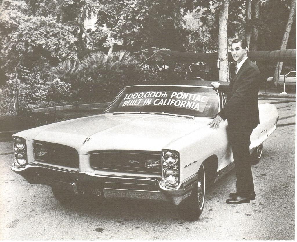 John Delorean With 1 000 000th California Built Pontiac