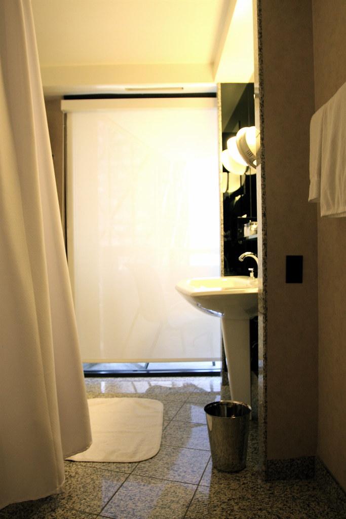 White Bathroom Suite Room Ideas