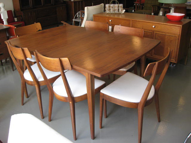 Drexel declaration dining table chairs shag flickr for Z furniture philadelphia