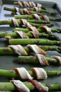 Bacon shawls on the asparagus | by Lelonopo
