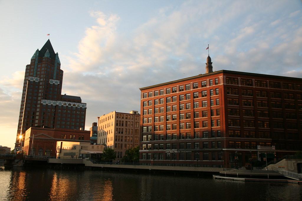 City Hall Square Apartments Milwaukee Wi