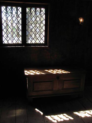 A lingering look at windows july tvor travels for Fenetre dos windows 7