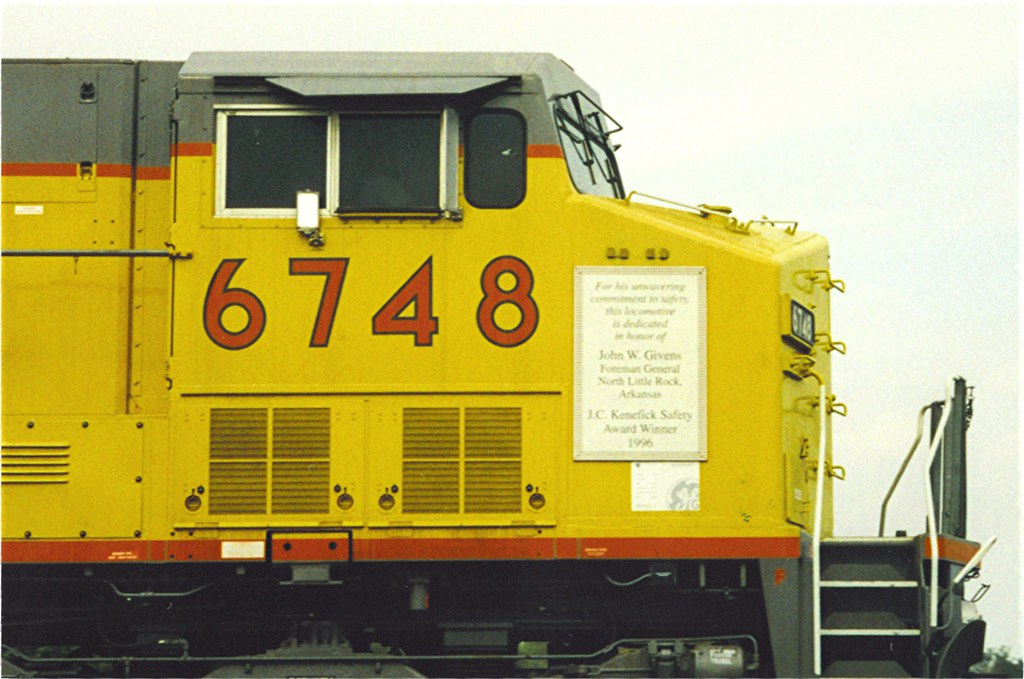 ... UP 6748 Nelson IL Oct 8, 1997 | by cogp39