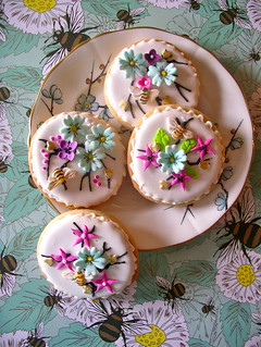 summer bee cookies | by nice icing