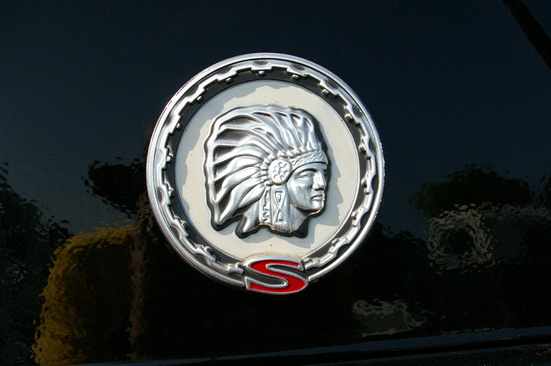 Quot S Quot Emblem On A Full Size Jeep Cherokee Chief Pa Jeeps