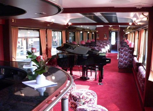 Swiss Luxury Train S Bar Car Carriages Of This Swiss