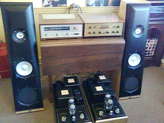 Unban Antique Radios and Vintage Hi-Fi - 04 | by bassistwei