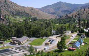 Entiat national fish hatchery as aerial view of entiat for Fish hatchery jobs