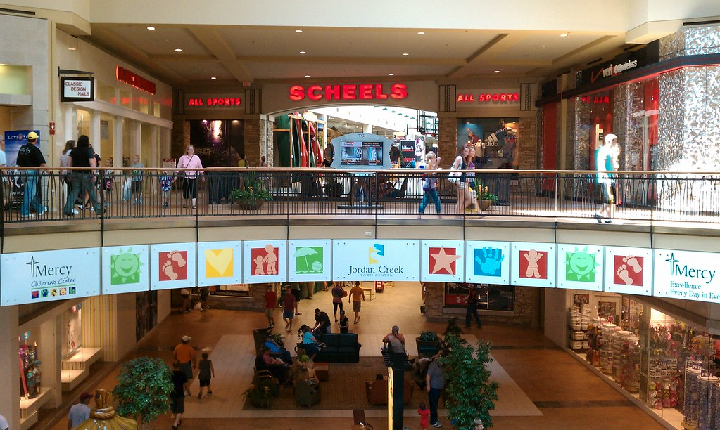 Jordan Creek Town Center West Des Moines Iowa Scheels