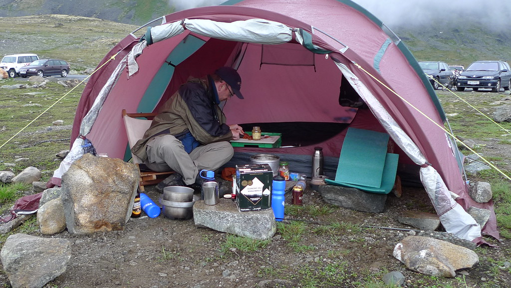 This keeps the wind away while you are cooking and also conserve fuel. A windbreak will also block areas where people are not ... & What is A Cooking Tent and How We Set it Up - BowNinja