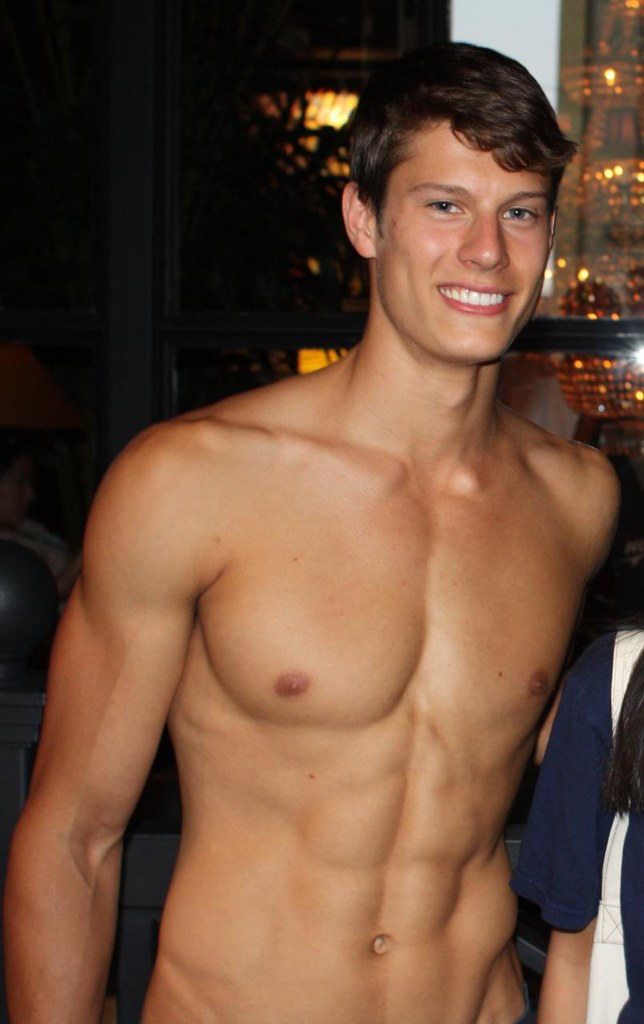 Cute Hollister Boy  Perfect Teeth Perfect Abs Perfect V -8105