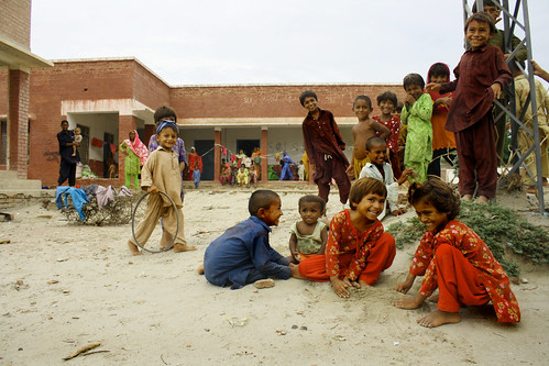 Pakistan floods: Children playing in a relief camp | by Oxfam International