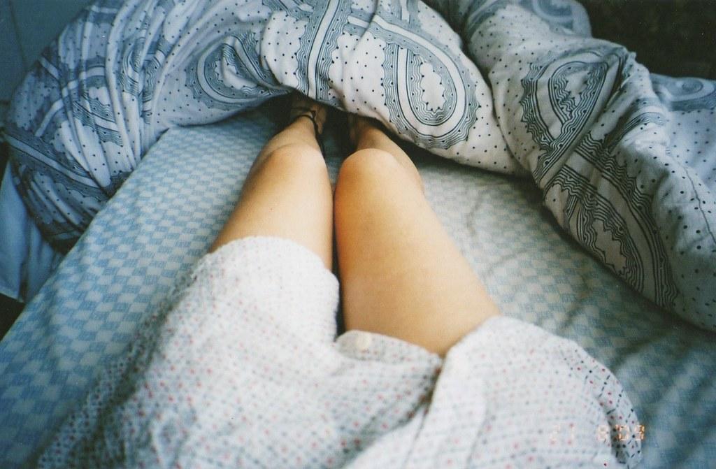 красивые женские ноги фото в постели