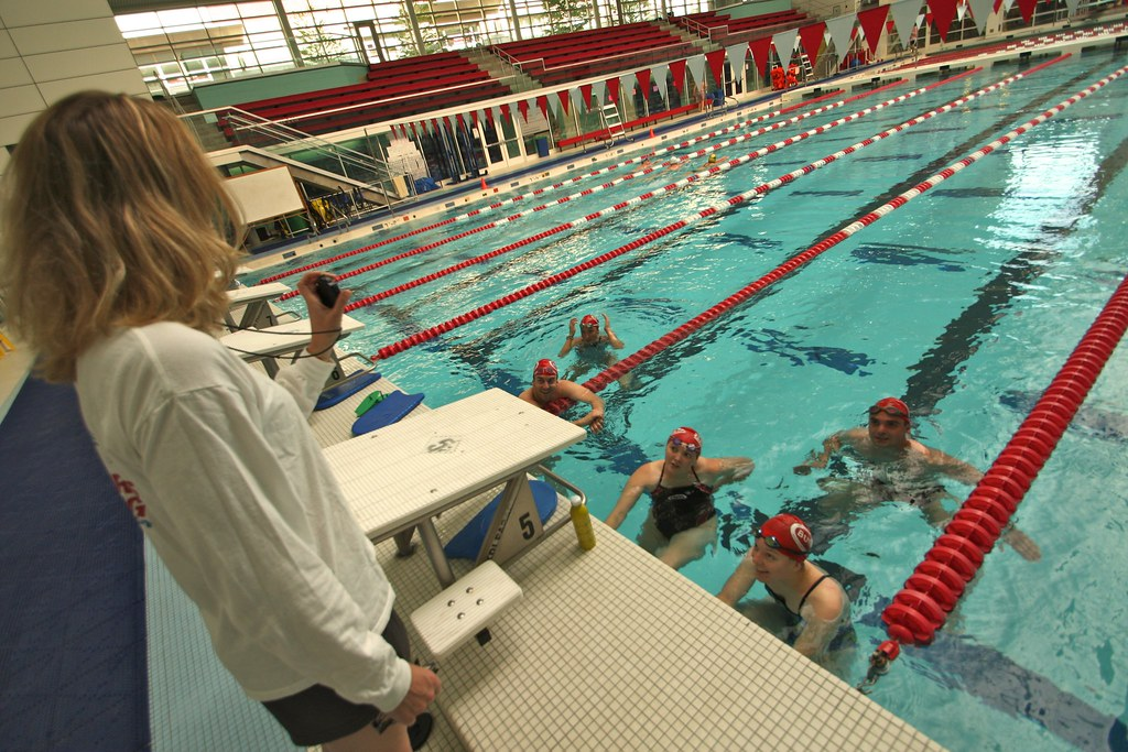 Swimming At Bu The Masters Swim Coach Talks To Swimmers In Flickr