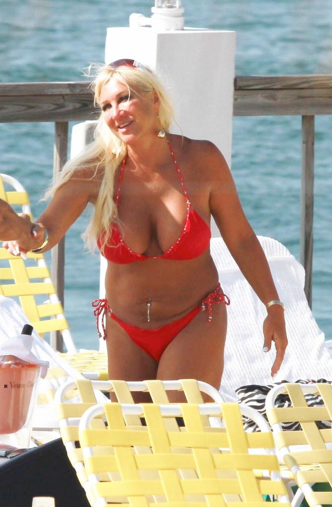 nude photos of linda hogan № 77121
