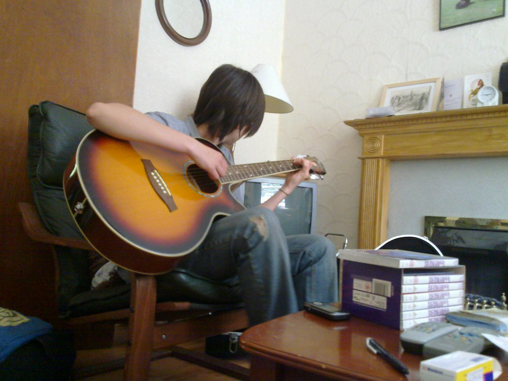 tips on how to learn playing a guitar I know many of you folk reading steff metal are learning – or thinking about learning – to play heavy metal guitar this can seem like a daunting task, esp.