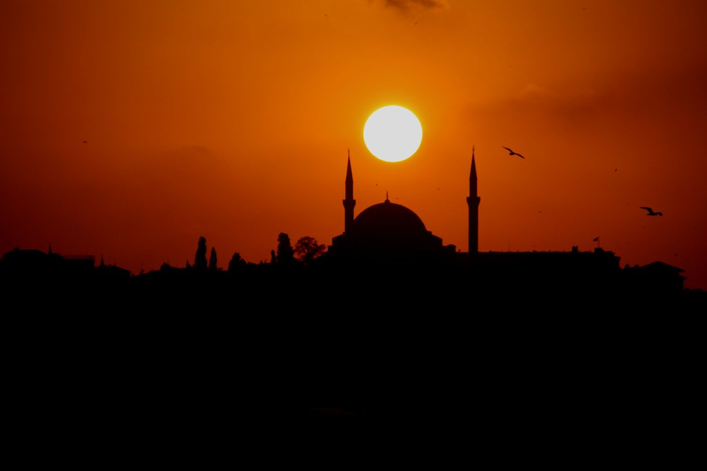 Sunset in Istanbul | Sunset over the Golden Horn, Istanbul ...