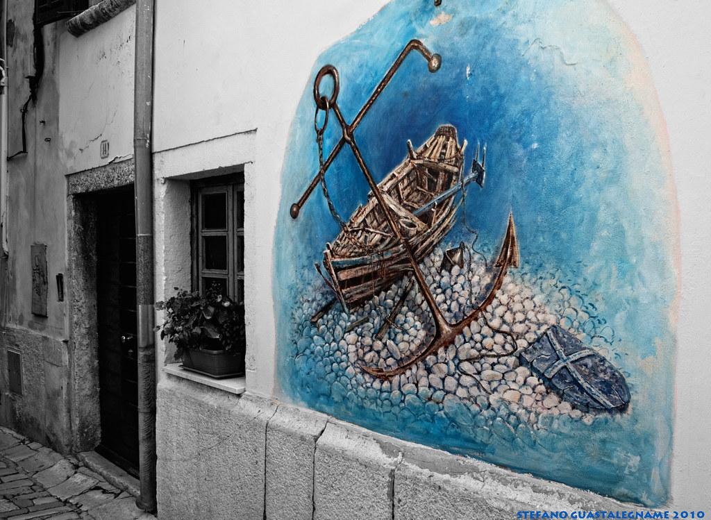Dipinto sul muro di una casa a rovinj istria dipinto - Disegnare sul muro di casa ...