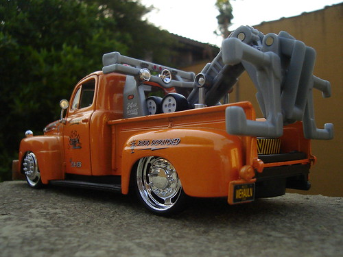 New Ford Truck >> Maisto Ford F1 Wrecker '48 | 1/25 Maisto Elite Transport ...