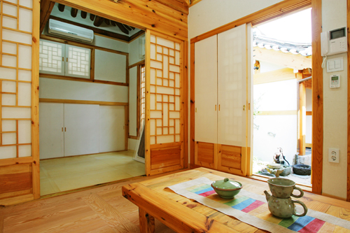 Inside of Mangyeongjae, a hanok in Bukchon | (Courtesy of ...