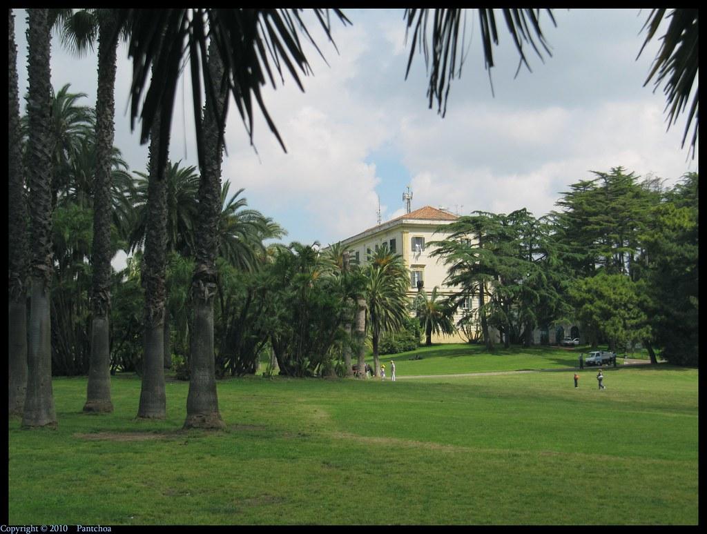 Francois Illas New Tradition: Naples : Capodimonte Park Ceramic Museum - 3/6