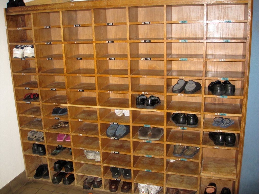 Shoe Rack At Fremont Gurdwara Sahib Gurusinghj Flickr