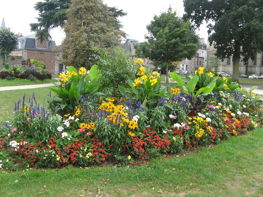 067 Le Jardin Anglais Fleuri A Dinan Melanie25 Flickr
