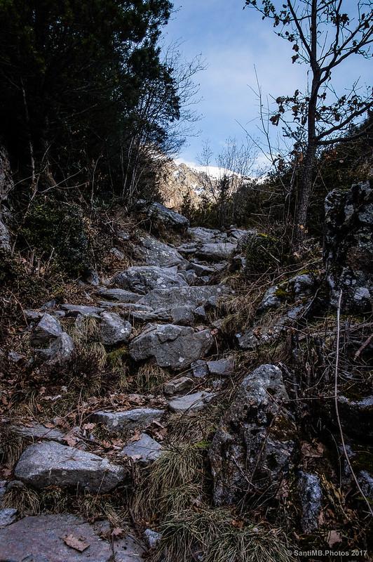 Bordeando el Roc d'en França